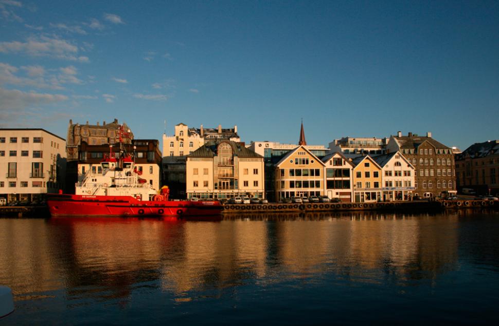Restaurering av Østensjø Haglands kontorbygg på kaipromenaden i Haugesund