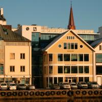 Sjøfartsbygget Østensjø og Hagland langs Smedasundet i Haugesund