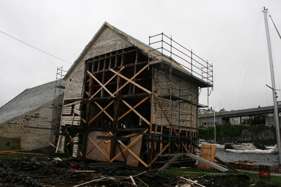 Gjenoppbygging etter naustbrann Haugesund ved Arkitektkontoret Brekke Helgeland Brekke AS