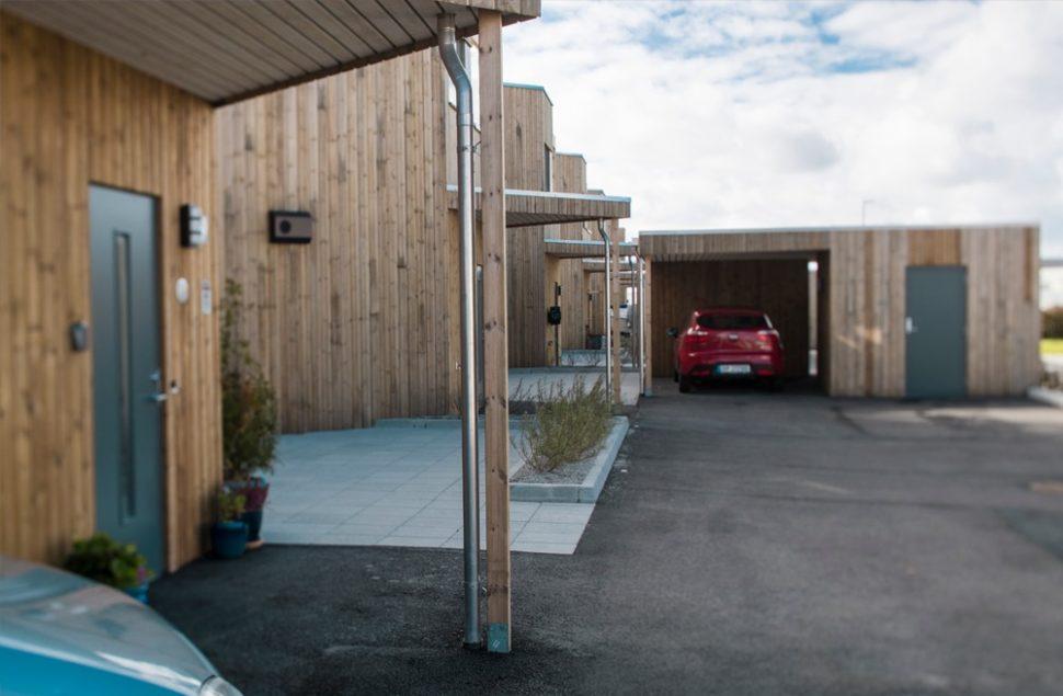 Karmøy kommunes byggeskikkspris 2018 gikk til Arkitektkontoret Brekke Helgeland Brekke AS for eneboligene på Åkra, Odd Hansen AS.